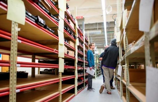 Manajemen Persediaan (Inventory Management)