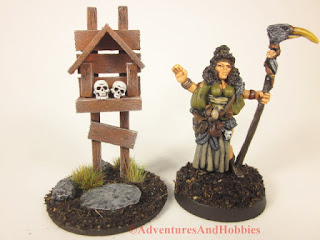 Miniature wooden roadside shrine T1532 in 25-28mm scale - front view.