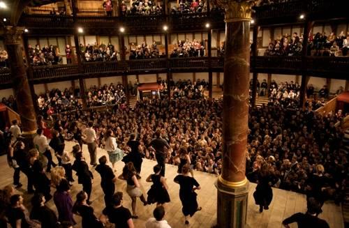 elizabethan theatre audience -#main