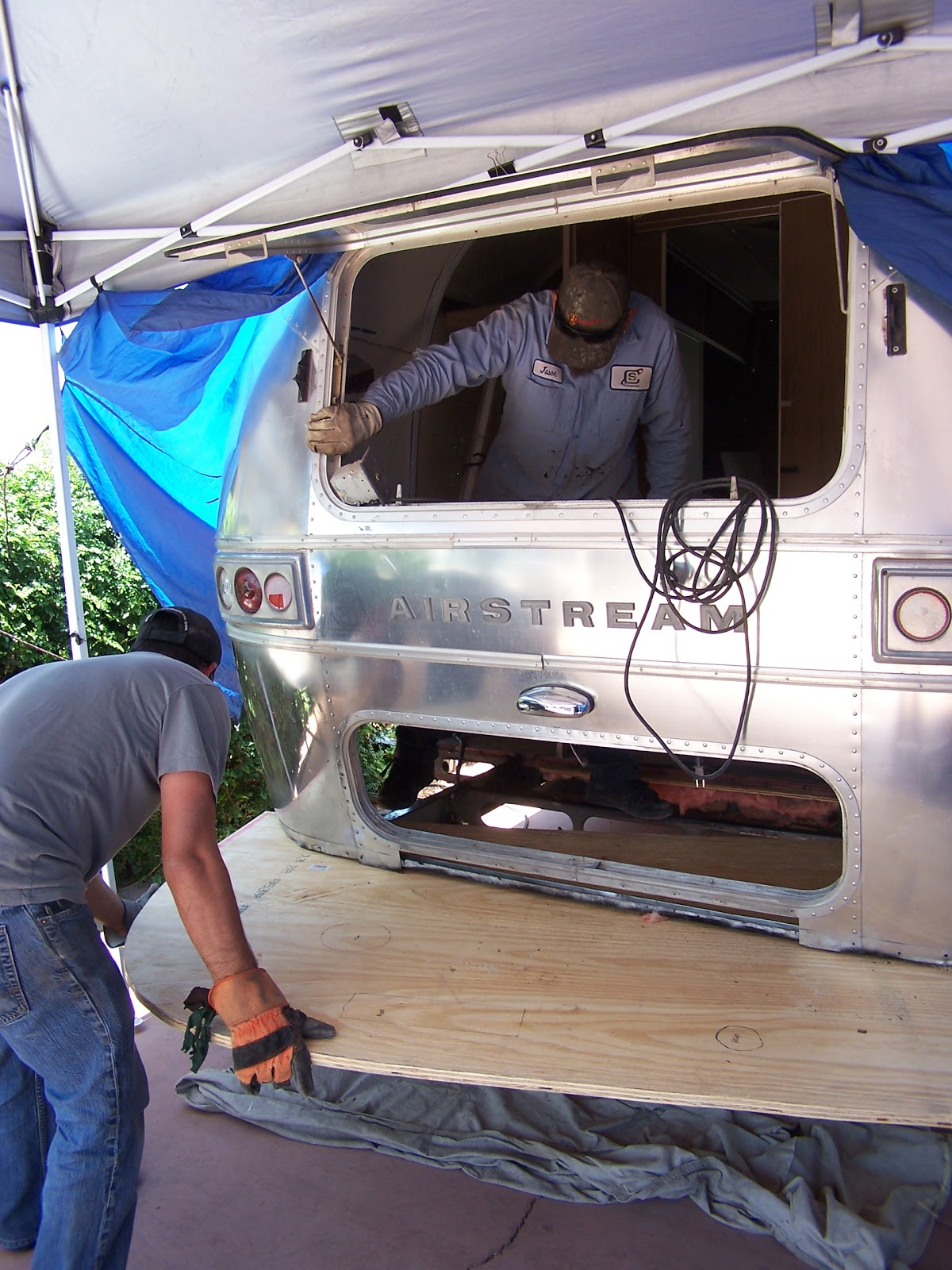 Airstream renovation rear end repairs and replacement - Airstream replacement interior panels ...