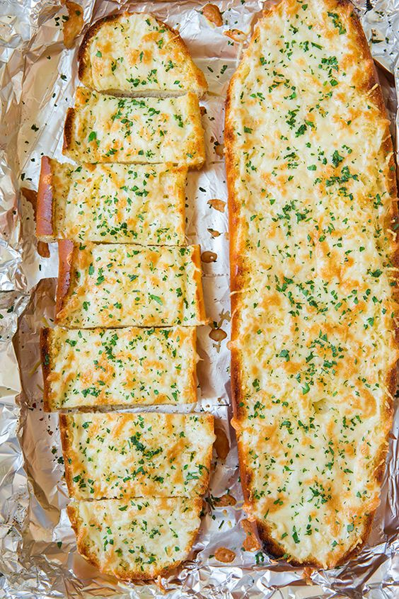 Cheesy Garlic Bread #recipes #pizza #pizzarecipe #food #foodporn #healthy #yummy #instafood #foodie #delicious #dinner #breakfast #dessert #lunch #vegan #cake #eatclean #homemade #diet #healthyfood #cleaneating #foodstagram