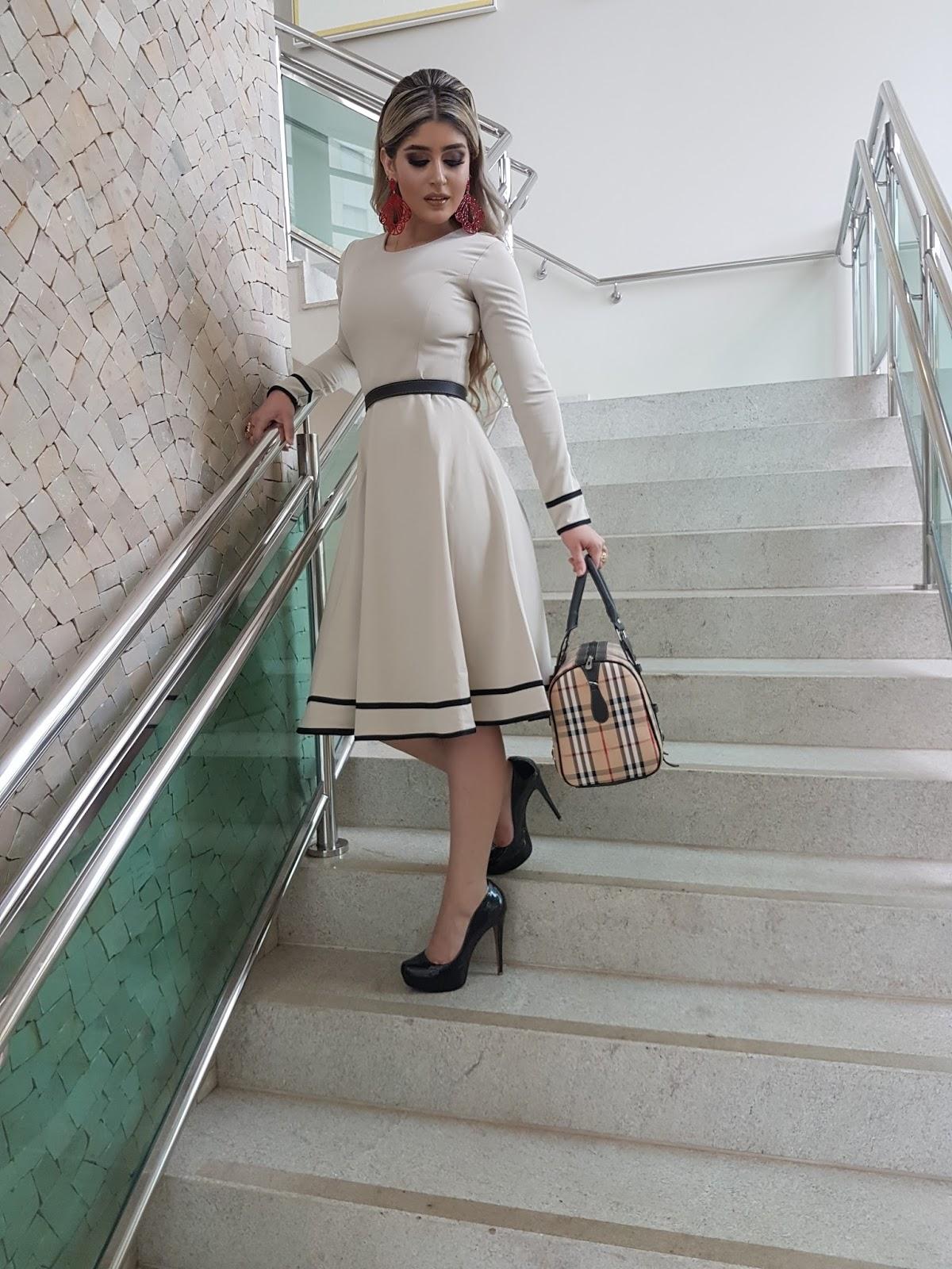 Vestidos Lindos da Closet Luxuoso vem conferir.