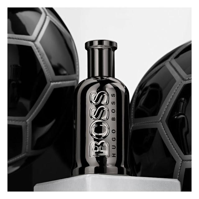 Luxusný parfém Hugo BOSS spolu s futbalovou loptou pre top futbalového fanúšika