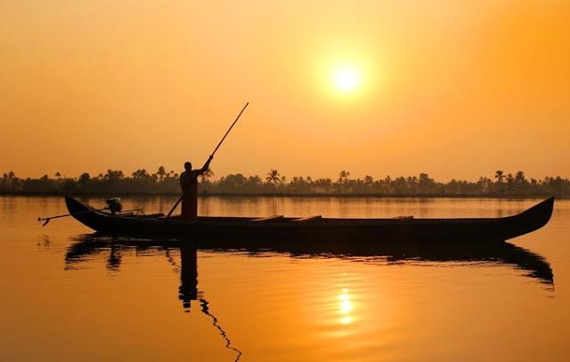 Kerala Backwaters, Alleppey Houseboat Experience, Alleppey Backwaters, Lakes & Lagoons Houseboat, Kerala, India, Kerala Blog Express, Kerala Tourism, Travel
