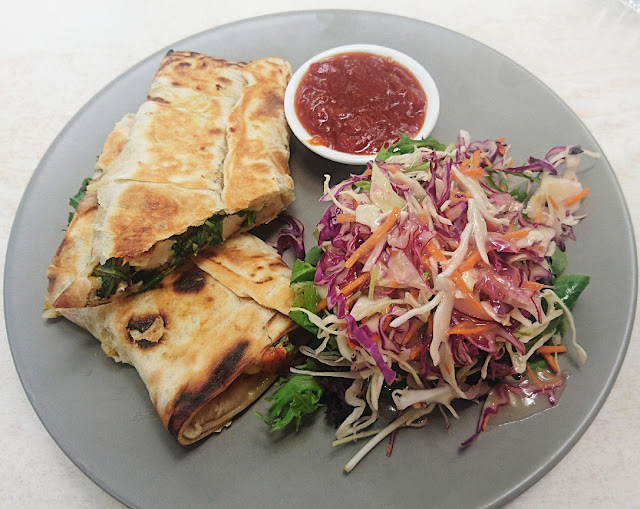 Warran Glen Garden Centre & Cafe, Warrandyte, smoked chicken roti