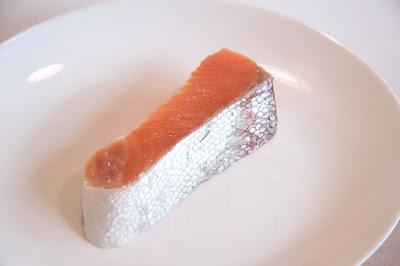 Ikan salmon mengandung lemak sehat