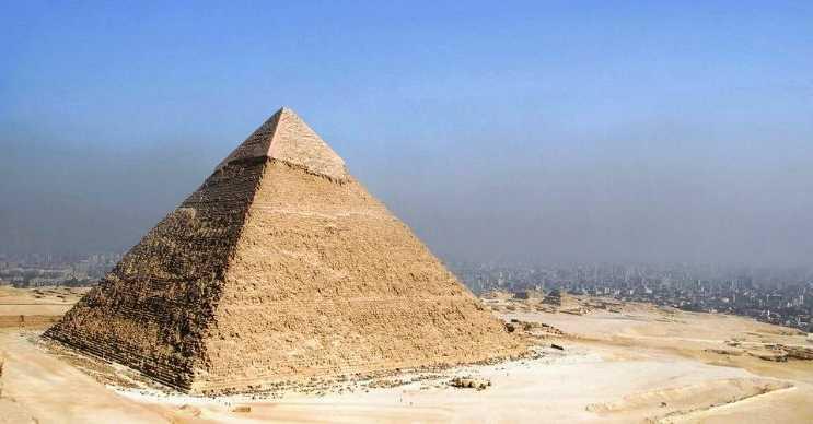 Giza Piramidi tüm dünyadaki en gizemli yapılar arasında başı çekmektedir.