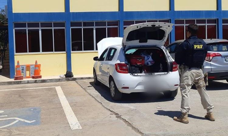 PRF apreende 825 papelotes de cocaína e recupera veículo na Chapada Diamantina