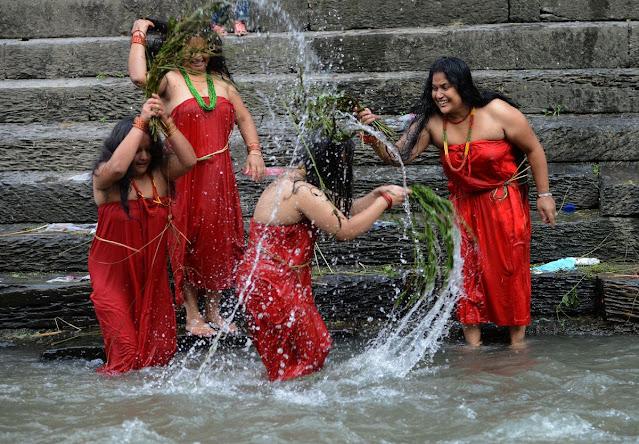 women bath