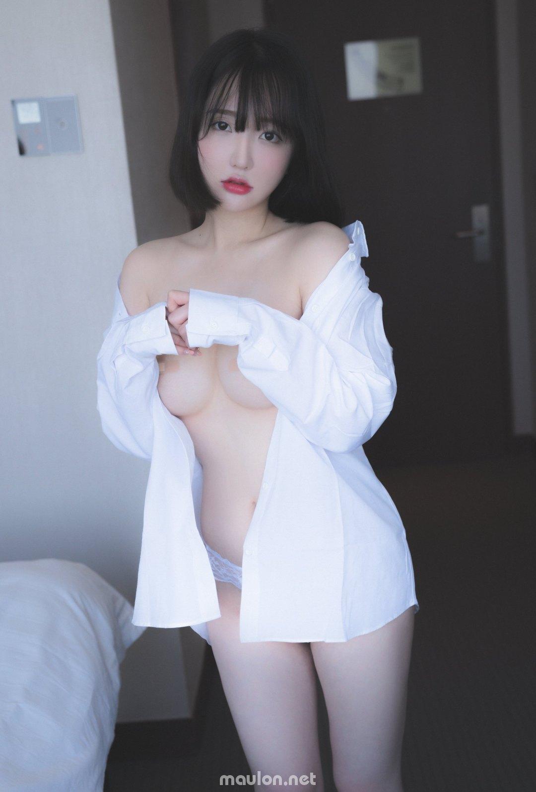MauLon.Net - Ảnh sex pure media - vi rút triệt nòi phải đút cái vòi vào em