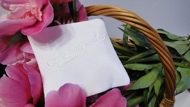Ароматические саше с вышитым логотипом - подарки гостям мероприятия или дня рождения. Ручная работа,доставка почтой или курьером