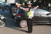 Antisipasi Kemacetan dan Tindak Kriminalitas Polsek Kragilan Laksanakan Strong Point