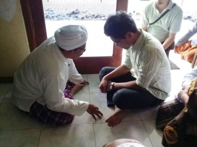 Dibimbing Mustasyar NU Sumenep, Pemuda Ini Menjadi Masuk Islam