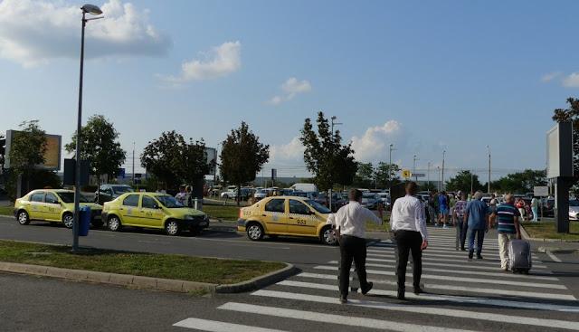 Taxis am Flughafen Sibiu, Rumänien, rumänische Taxis