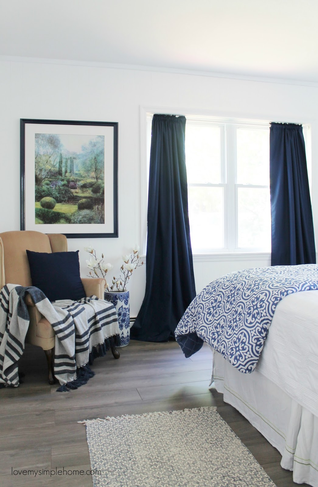 20 fresh ideas for decorating with blue and white for Minimalist home goods