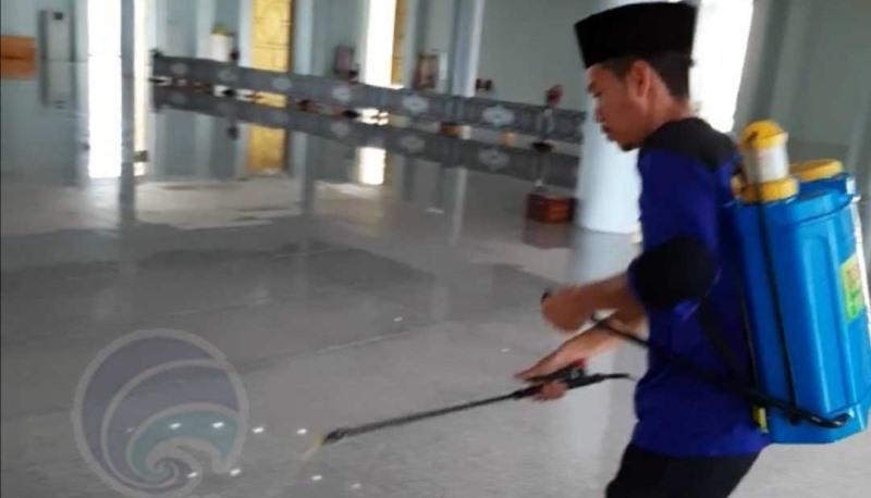 Jemaah Masjid Raya Dompak Berkurang, Pengaruh Social Distance