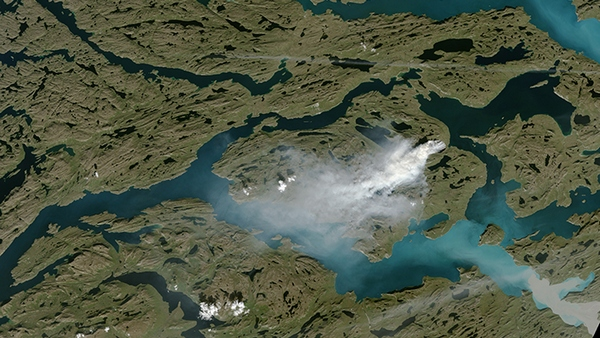 Scientists Mean to Alarm, But a huge Tract of Greenland