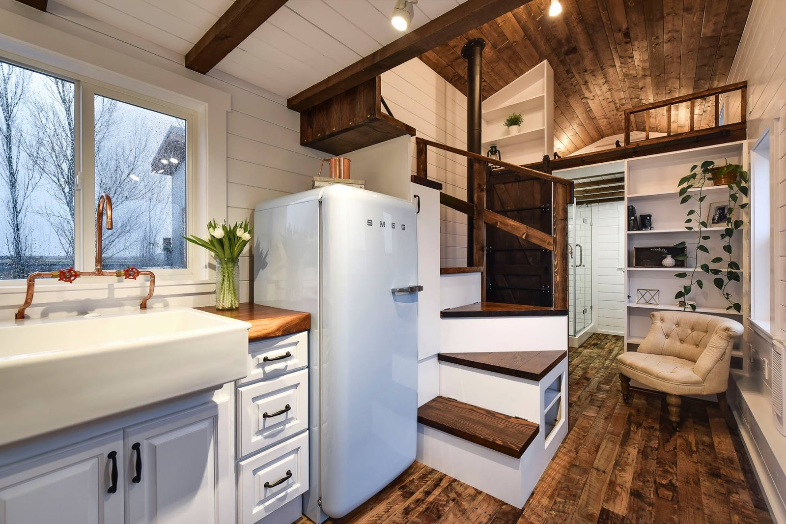 Tiny Home Designs: TINY HOUSE TOWN: Rustic Tiny From Mint Tiny House Company