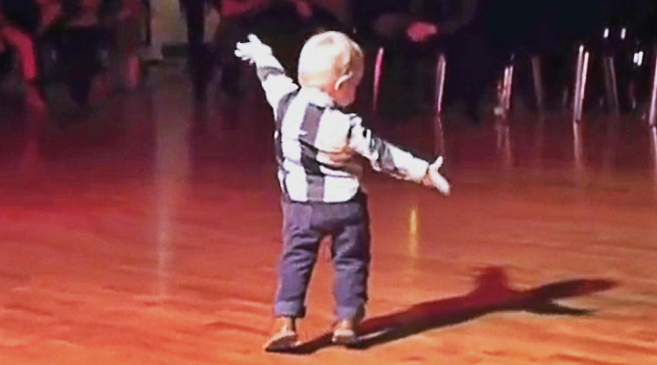 Little Boy Dances To His Favourite Song And It's The Most Adorable Thing We Saw Today