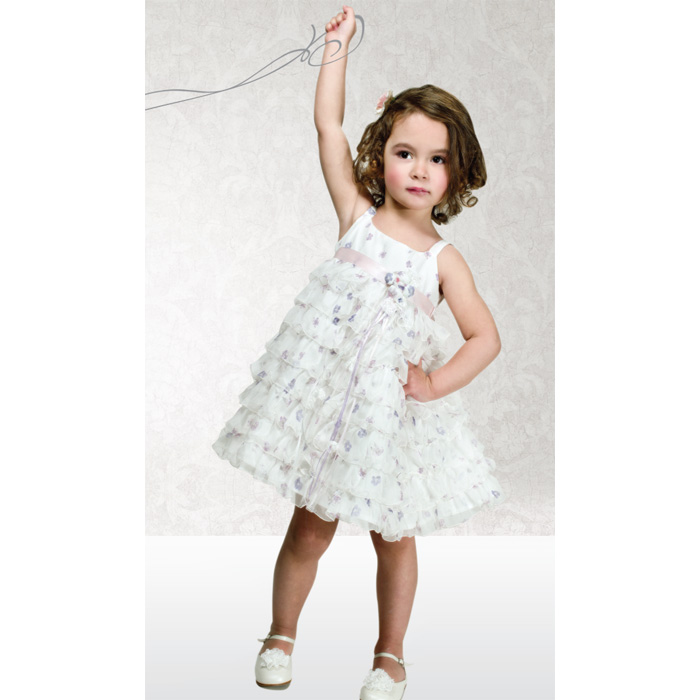 3059e335799 Όμορφα βαπτιστικά ρούχα για κορίτσι
