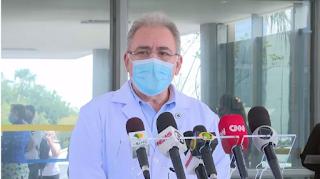 """Ministro da Saúde anuncia acordo internacional para aquisição de """"kits de intubação"""""""