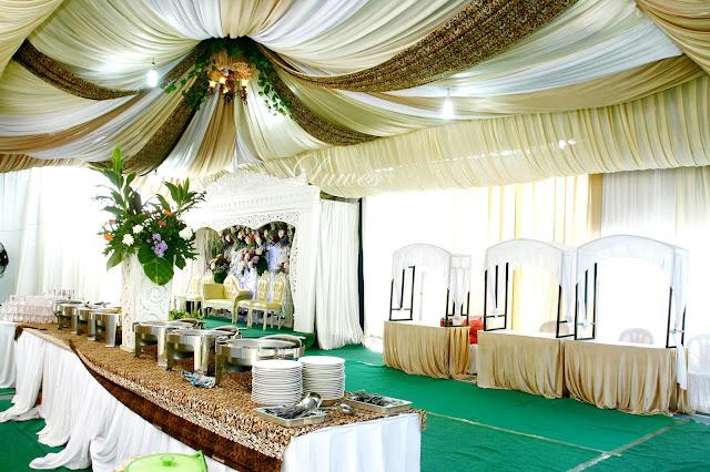 Dekorasi tenda pernikahan terbaru untuk resepsi di lapangan