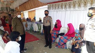 Personel Polsek Anggeraja Lakukan Pemantauan Dan Pengawasan Pesta Pernikahan Di Desa Bamba Puang