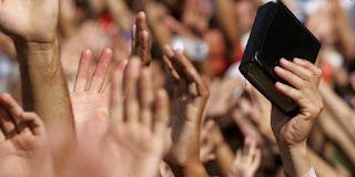Evangélicos e Católicos no Brasil