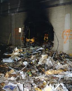 9-11 Pentagon Exterior 4 conjugando adjetivos