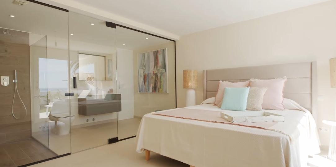 Tour Estepona Marbella Beachfront Villa vs. 17 Interior Design Photos