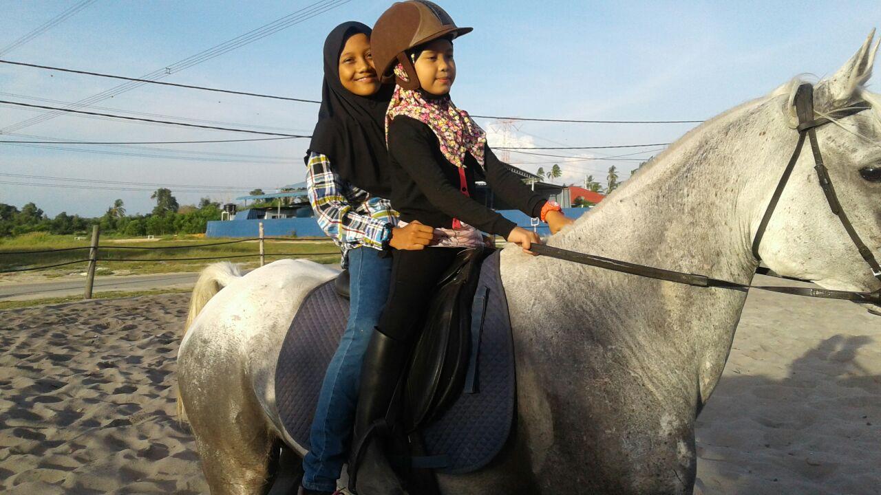 Aktiviti Berkuda di Kampung Penchalang || Hanna 5