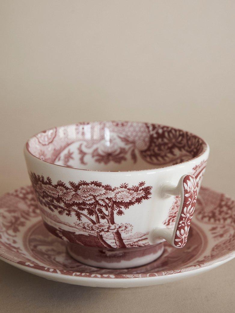 stara filiżanka porcelanowa