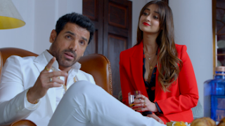 Download Pagalpanti (2019) Full Movie Hindi 720p WEB-DL || MoviesBaba 3