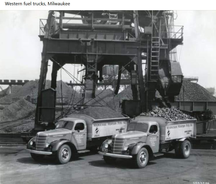 trucks%2Bat%2Btipple.JPG