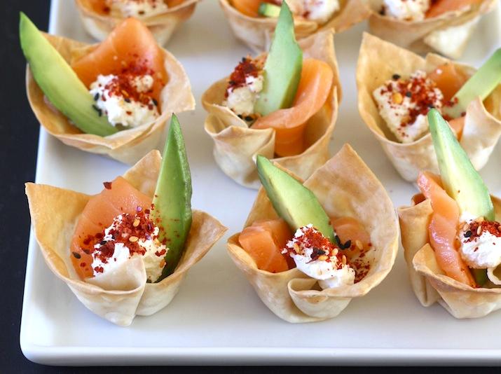 Salmon Sashimi Wonton Cups with Shichimi Togarashi & Spicy Korean Chili Seasoning by SeasonWithSpice.com