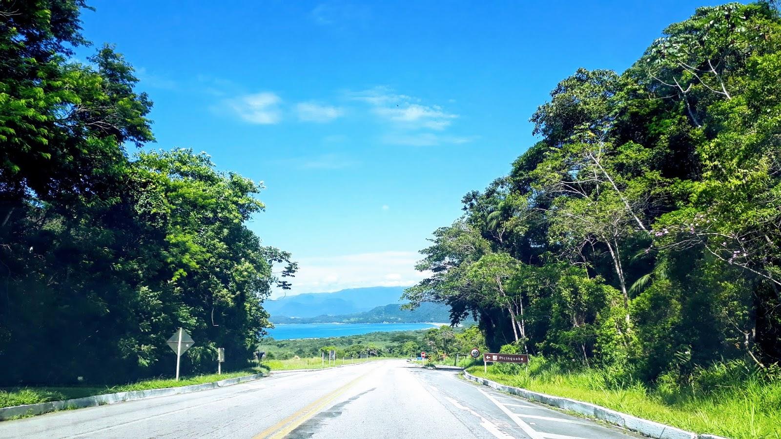Rodovia Rio -Santos em direção à Praia da Fazenda