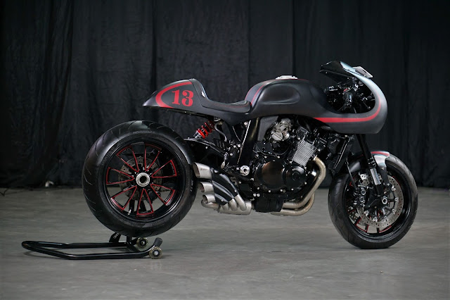 Suzuki GSXR400 By Lunatic Custom Motorcycle Hell Kustom