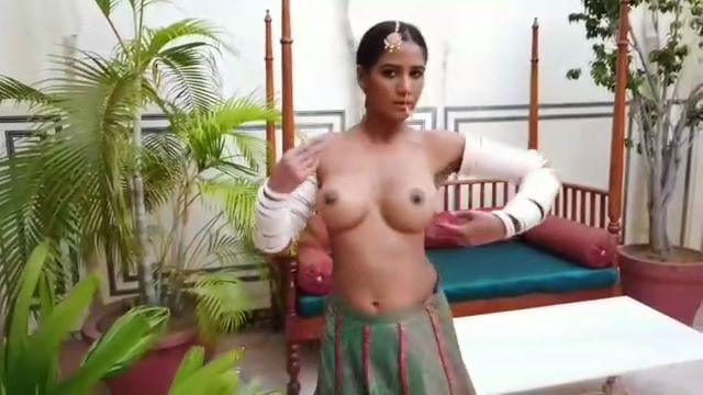 Royal Kamasutra Poonam Pandey Hot image