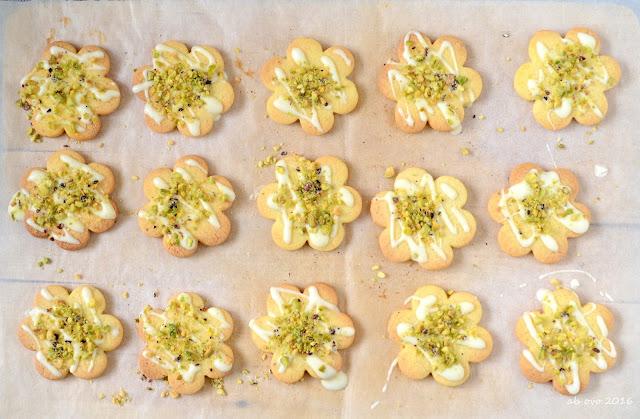biscotti-al-cardamomo-cioccolato-bianco-e-pistacchi