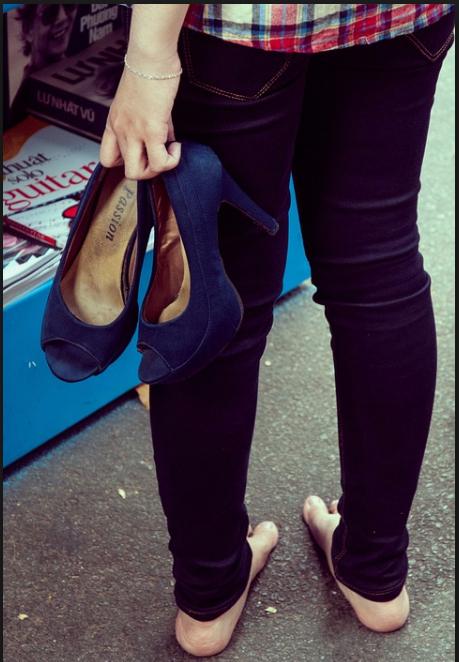 walking high heels shoe shoes heels tired fashion disk