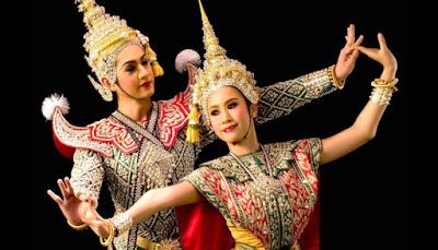 Pertunjukan Khas Thailand