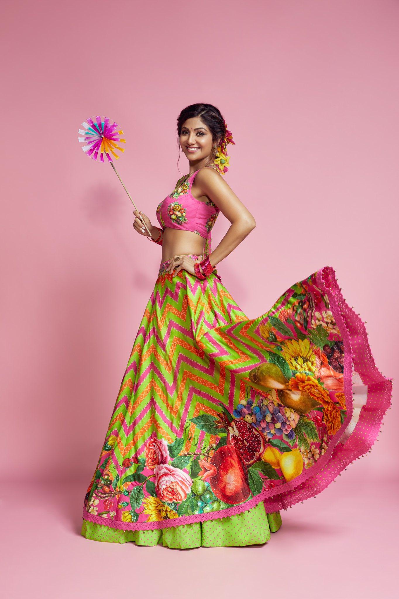 Shilpa Shetty Glomerular Last Trending Photos