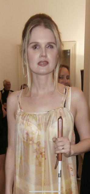 Linda v šatech od Ivany Follové