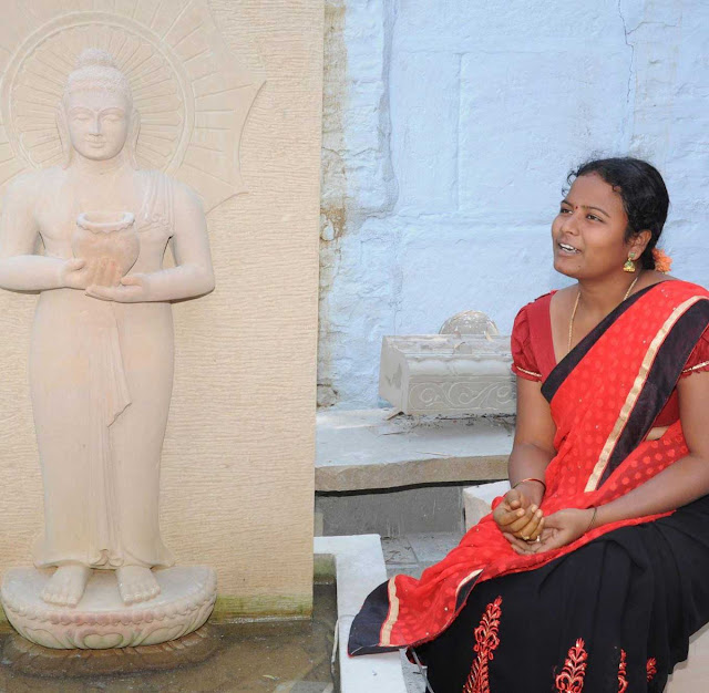 Bhuvana the current owner and artist of Sri Sarada Shilpa Kala Mandiram
