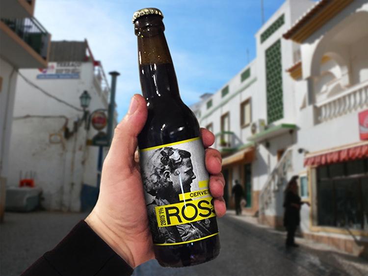 Free Beer Mockup PSD