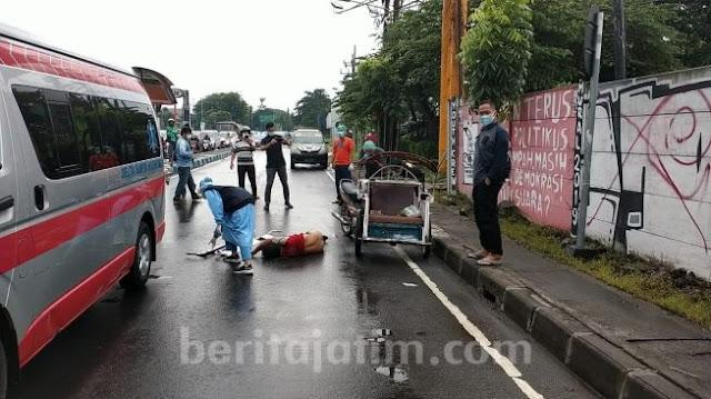 Dapat Bantuan Beras Wabah Corona, Tukang Becak Langsung Tewas di Jalan