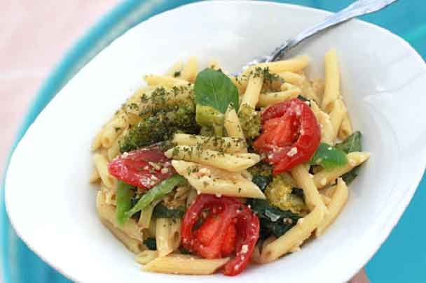 this is a Greek pasta salad made with low carb pasta and greek salad homemade dressing