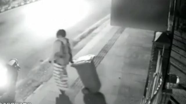 Viral Pria Bersarung Diduga Curi Tong Sampah, Publik: Indonesia Keras