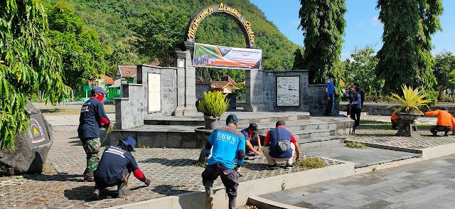 Peringati Refleksi 14 tahun gempa bumi Dandim Klaten gelar doa bersama dan bersih bersih monumen lindhu gedhe