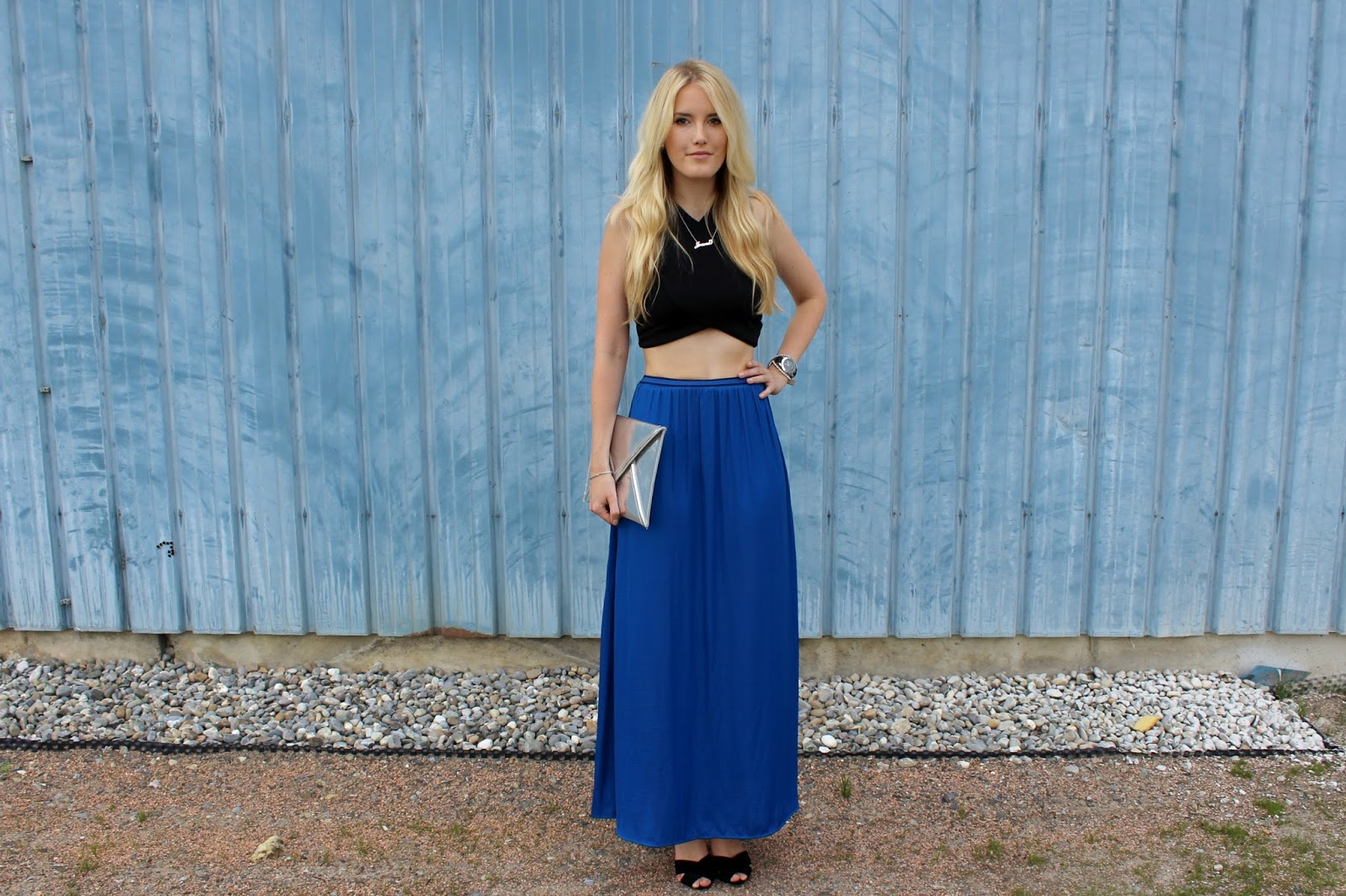 TheBlondeLion Outfit Namenskette Carrie necklace SATC Sex and the City